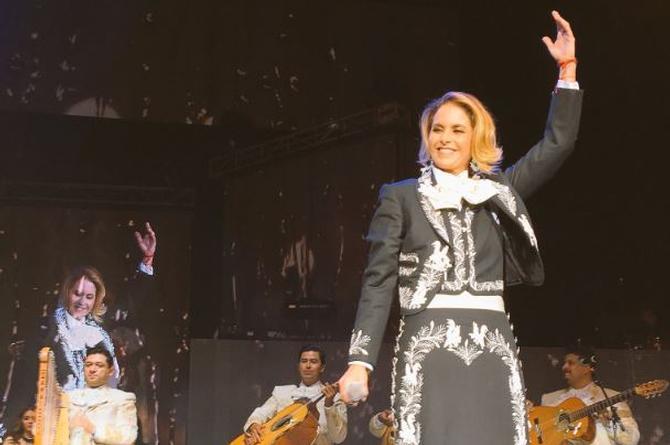 ¡Lucero brilla en el Auditorio Nacional! (+VIDEO)