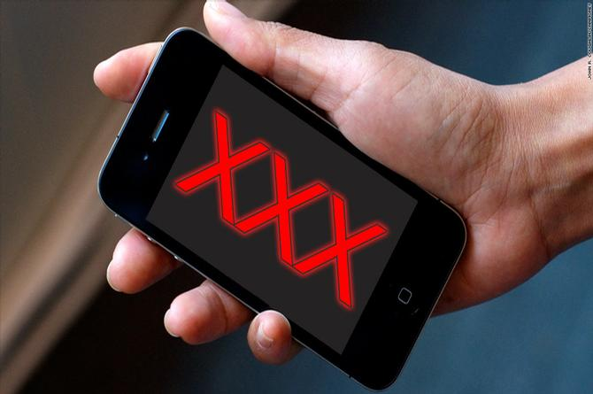 ¿Ves porno desde tu celular?, ¡Cuidado! Estos son los riesgos que corres