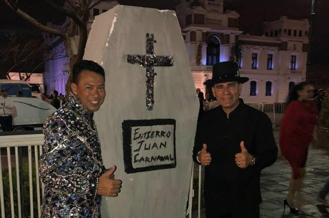 Se presenta con éxito Gente de Zona para después enterrar a Juan Carnaval (+FOTOS)