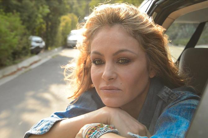 Difunden polémico video en donde Paulina Rubio 'muere' dentro de un automóvil (+VIDEO)