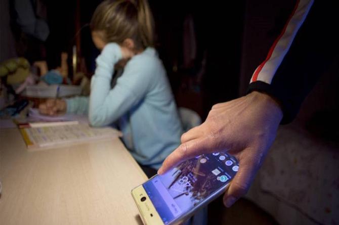 ¿A dónde vamos a parar? Detienen a madre que castigó sin celular a su hija