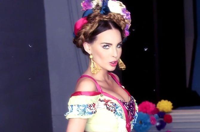 Belinda estrenará canción dedicada a México, no quiere ser deportada