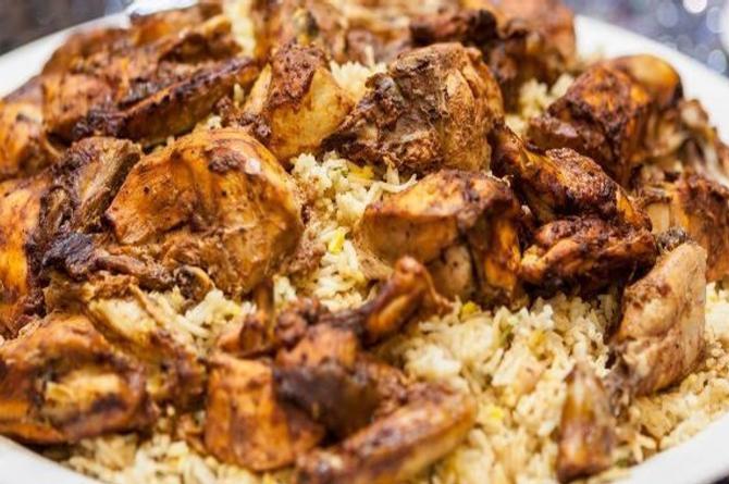 Mata a su novio, lo cocina con arroz y ofrece el platillo a desconocidos