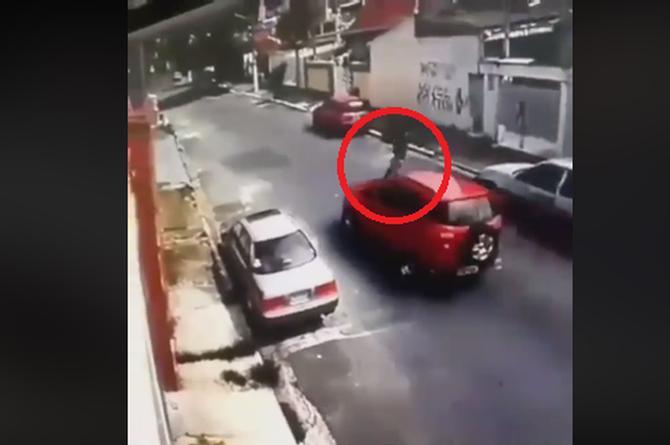 Ladrón muere atropellado cuando intentaba asaltar a un automovilista (+VIDEO)