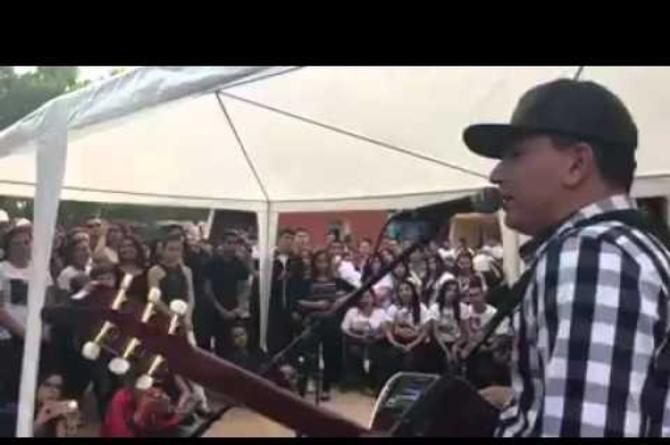 Los Plebes de Rancho le rinden tributo a Ariel Camacho #VIDEO