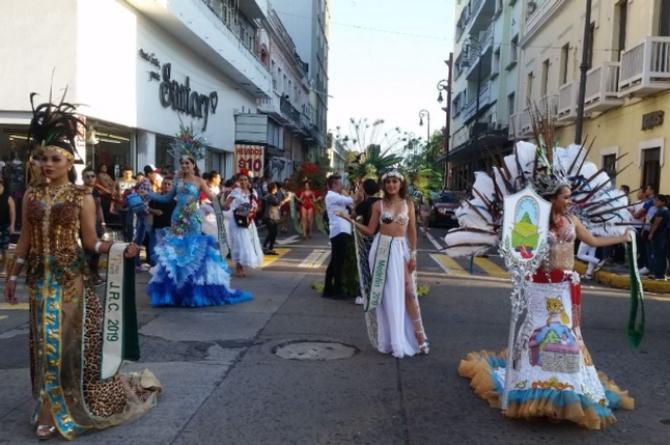 Finalistas de Miss Earth Veracruz desfilarán por avenida Independencia