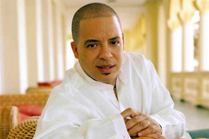 Regresa a Veracruz el cantante cubano Issac Delgado