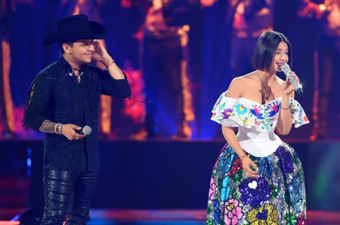 Christian Nodal tendrá dueto con Ángela Aguilar