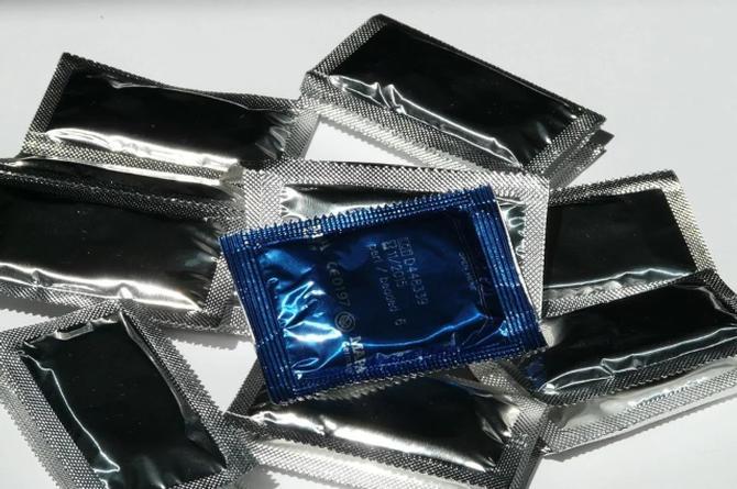Conoce cómo funciona el preservativo que detecta las ETS