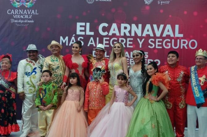 Presentan a la Corte Real electa del Carnaval de Veracruz 2020