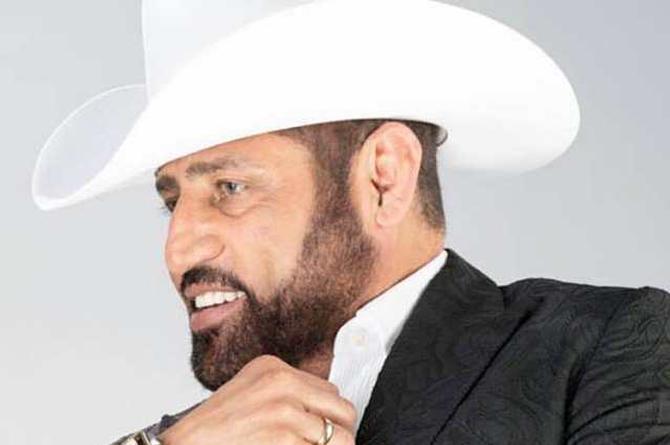 Pancho Barraza dedica 'Mis canciones' a su esposa