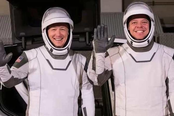 El nuevo diseño de los astronautas del SpaceX (+video/video)