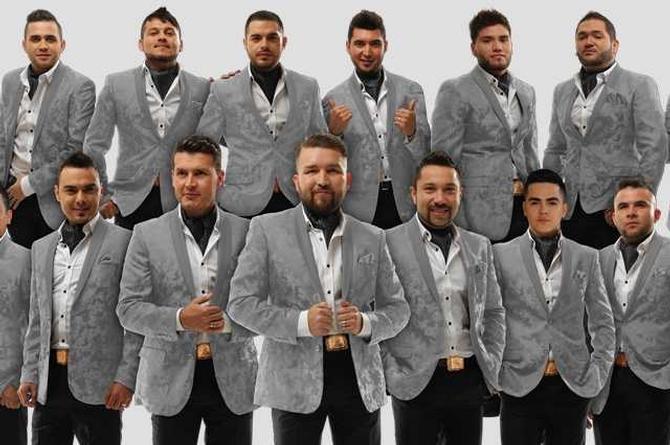Banda El Recodo estrena su Vlogpodcast 'El show de la R'