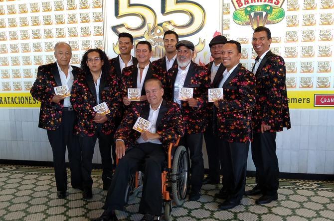 Sigue el éxito de Los Flamers con la canción 'Yo sí como camarón' (+video)