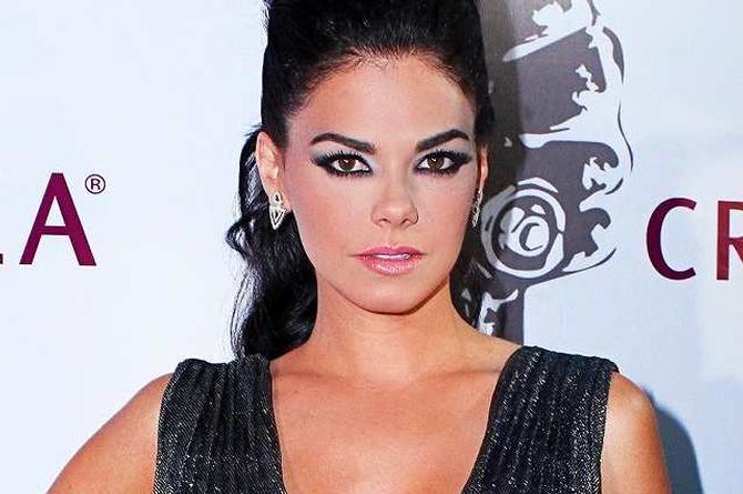 Livia Brito admite haber golpeado a fotógrafo (+videos)