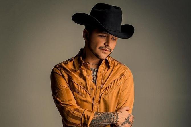Christian Nodal, Artista Regional Mexicano del año en los Latin Billboards (+foto)