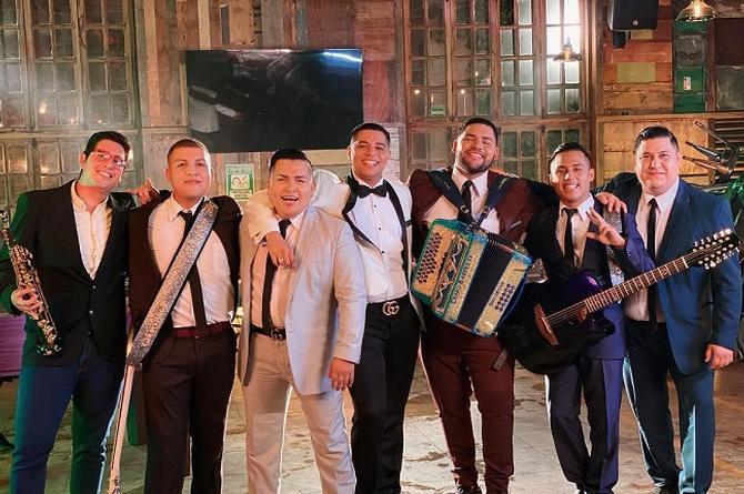 Grupo Firme refresca éxito de Los Tucanes de Tijuana (+video)