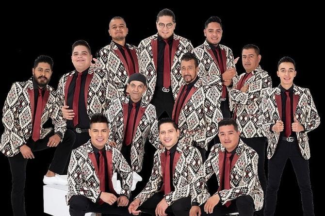 Pequeños Musical, El Mimoso y Claudio Alcaraz lanzan nueva versión de 'Por Mis Defectos/Mujer Infiel' (+video)