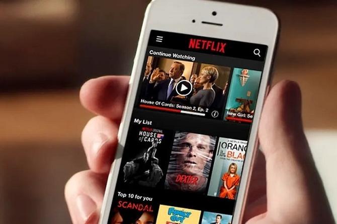 Así puedes ver películas y series de Netflix desde tu celular ¡sin conexión!