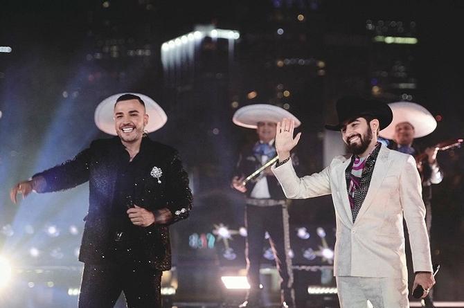 Joss Favela y Jessi Uribe presnetan al mundo a 'El Alumno' (+video)