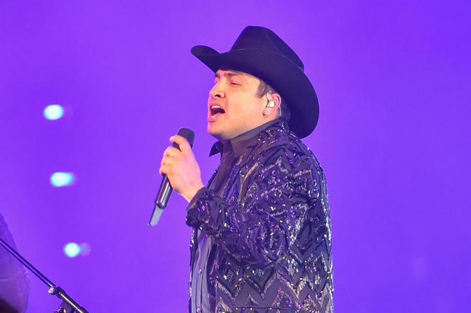 Julión Álvarez se posiciona en los primeros lugares con 'Ya Te La Sabes'