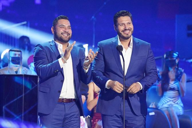 Banda MS anuncia duetos con Thalía y Christian Nodal