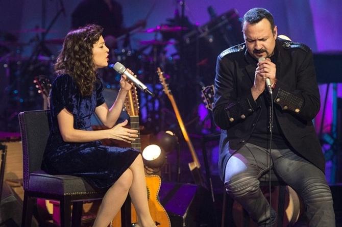 Natalia Lafourcade y Pepe Aguilar estrenan 'Cien Años' (+video)
