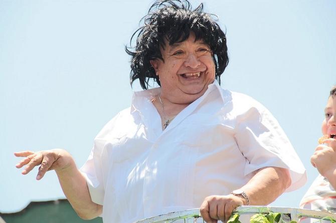 Suplican ayuda económica para el veracruzano Luis de Alba; sigue delicado de salud