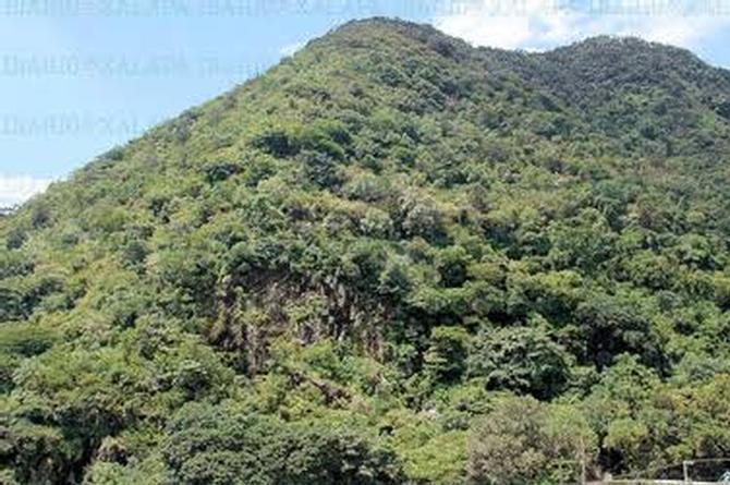 Se viraliza imagen de un rostro que aparece en un cerro