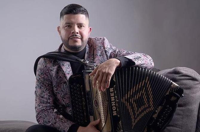 "Miguel Jocobi estrena ""El De La Sierra Negra"""
